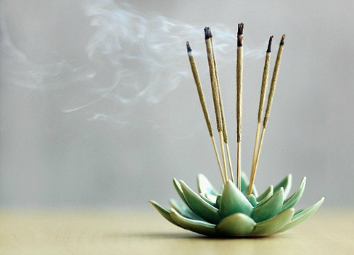 Why Are Incense Sticks Burnt In Pooja Rituals Hindu